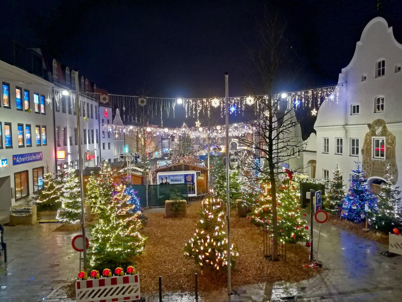 Der FSA-Weihnachtsbaum auf dem Nikolausmarkt